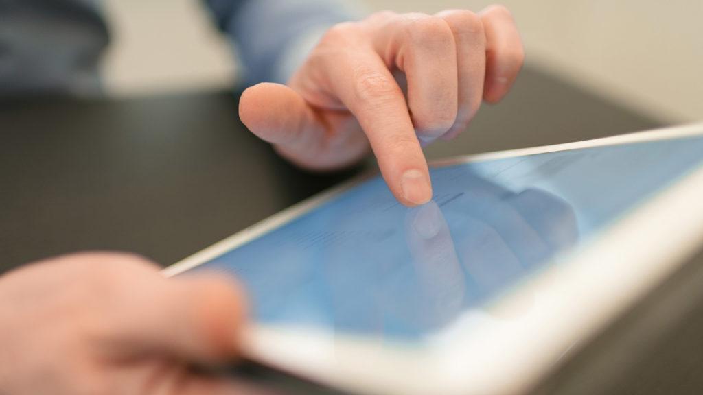 De overeenkomst tussen LinkedIn, een mobiele telefoon en een smartphone…